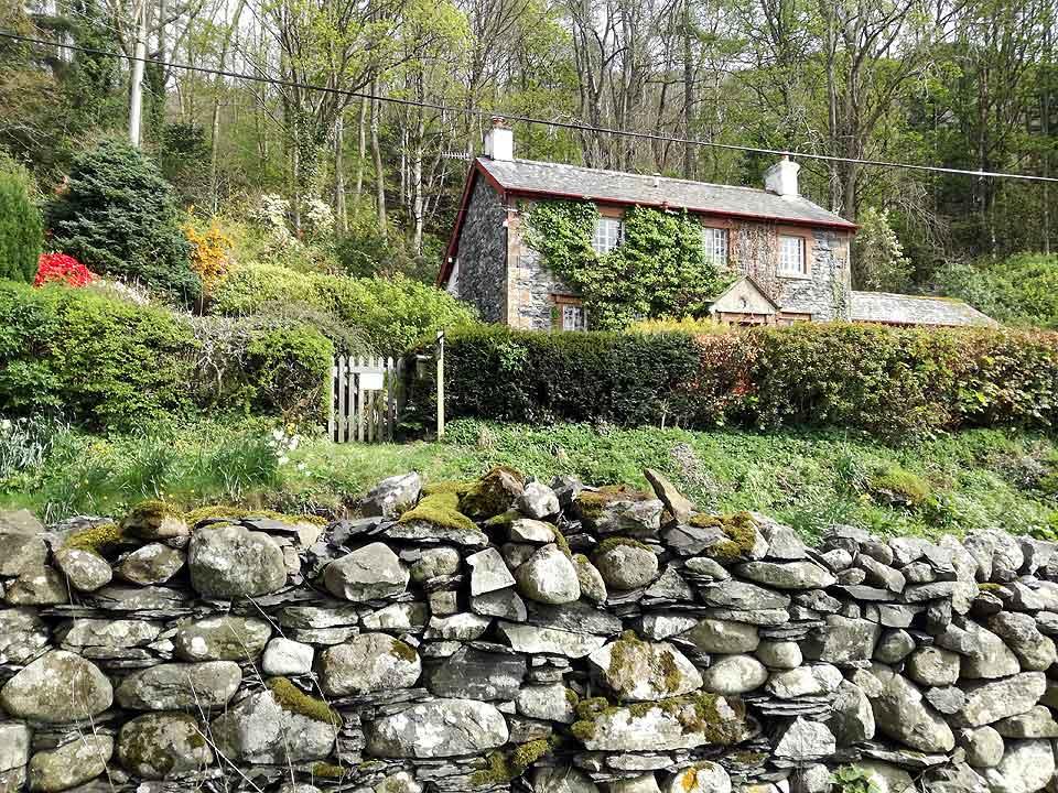 Garden Walk Buffalo Cottage District 5: Holiday Cottage For 5 Keswick, Holiday Cottage For 5 Lake